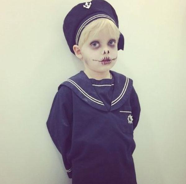 Otto-as-a-sailor-ghost